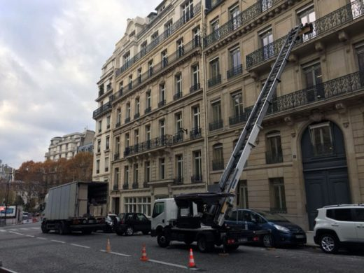 location monte meuble paris LAK