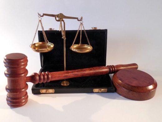 marteau justice balance